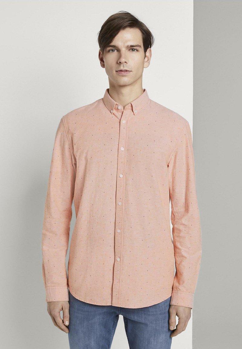 TOM TAILOR DENIM - OXFORD  - Shirt - orange triangle mix