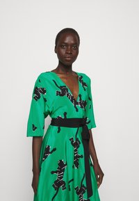 Diane von Furstenberg - ELOISE - Vapaa-ajan mekko - medium green - 3