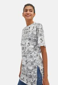 LC Waikiki - MICKEY MOUSE - Print T-shirt - white - 2