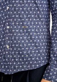 NEW IN TOWN - Shirt - blue - 4