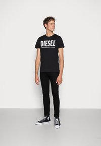 Diesel - T-DIEGO-LOGO T-SHIRT - T-shirt imprimé - black - 1
