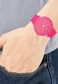 s.Oliver - S.OLIVER UNISEX-UHREN ANALOG QUARZ - Watch - pink - 1