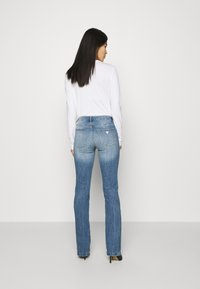 Guess - SEXY BOOT - Flared Jeans - blue denim - 2