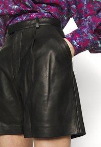 Iro - KLEIST  - Shorts - black - 3