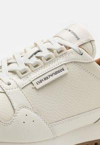 Emporio Armani - Sneakers laag - offwhite - 5
