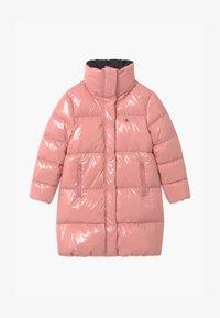 Calvin Klein Jeans - GLOSSY  PUFFER  - Kabát zprachového peří - pink - 0