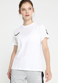 Hummel - GO WOMAN - T-shirts med print - white - 0