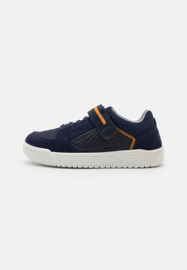 EARTH - Sneakersy niskie - blau/orange