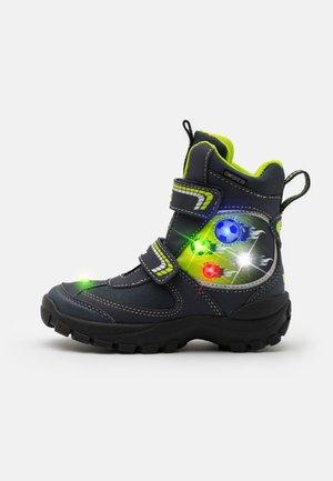 FOOTBALL BLINKY - Bottes de neige - marine/lemon
