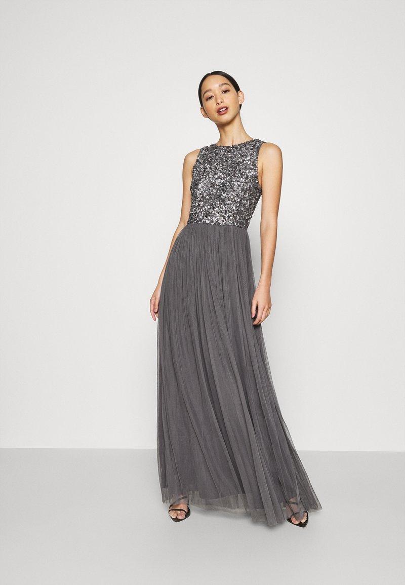 Lace & Beads - PICASSO MAXI - Společenské šaty - charcaol