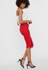 Vero Moda - VMSEVEN - Denim shorts - goji berry - 3