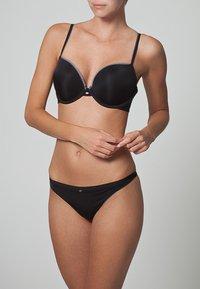 Calvin Klein Underwear - NAKED GLAMOUR - Push-up BH - black - 1