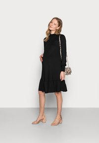 Dorothy Perkins Maternity - SHIRRED YOKE DRESS - Jersey dress - black - 1