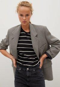 Mango - MOM - Slim fit jeans - black - 4