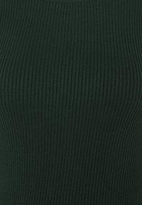 Vero Moda - VMDARMA ONECK DRESS - Abito in maglia - pine grove - 2
