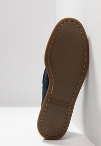 Sperry - 2-EYE - Boat shoes - navy - 4