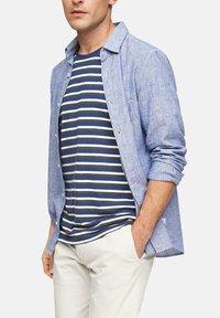 s.Oliver - Print T-shirt - blue stripes - 6
