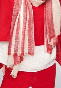 s.Oliver - Scarf - red stripes - 2
