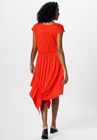 Apart - Robe d'été - orange - 2