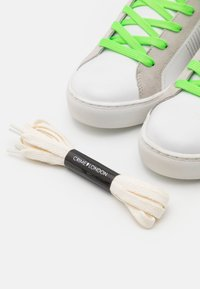 Crime London - Sneakers basse - white/neon - 5