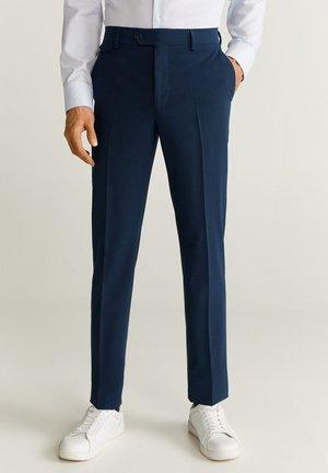 SLIM FIT ANZUGHOSE AUS WOLLSTOFF - Suit trousers - tintenblau