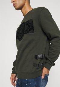 Glorious Gangsta - ZAIAR - Sweatshirt - khaki - 2