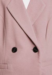 Vero Moda Petite - VMRAMBLA CALA  - Zimní kabát - toadstool - 6