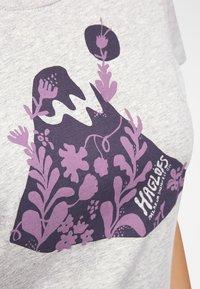 Haglöfs - MIRTH TEE - Print T-shirt - grey melange/purple milk - 3