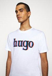 HUGO - DONTROL - T-shirt imprimé - white - 4