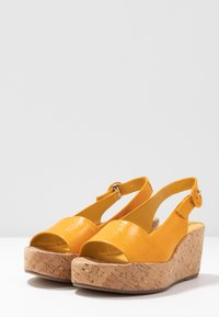 Högl - Platform sandals - mango - 4