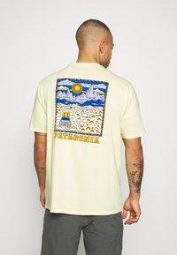 Patagonia - SUMMIT ROAD ORGANIC - T-shirts med print - resin yellow - 2