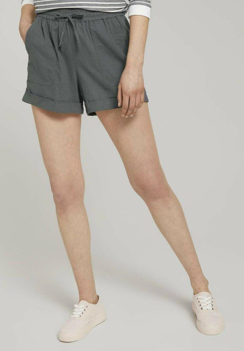 TOM TAILOR DENIM - Shorts - grey