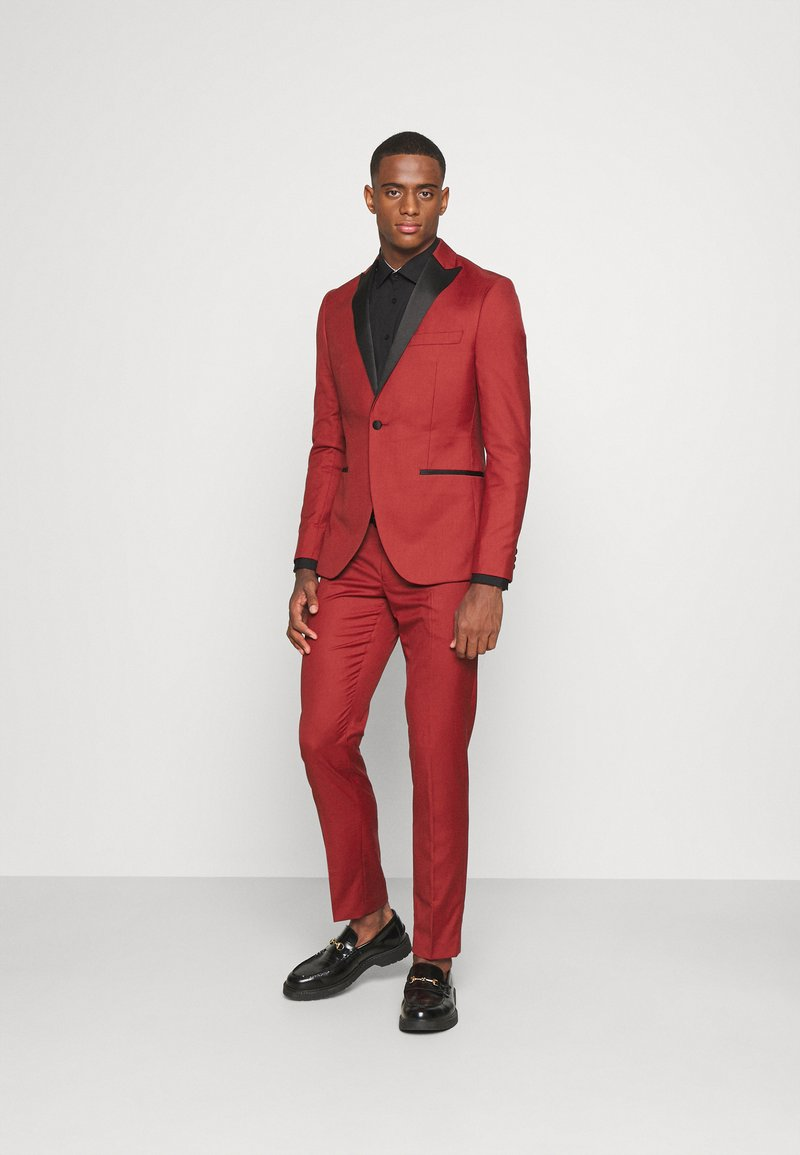 Isaac Dewhirst - THE TUX - Dress - red