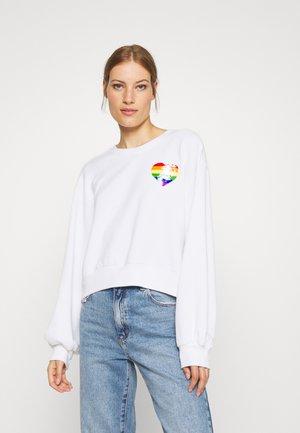 PRIDE CREW - Sweatshirt - white