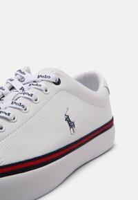 Polo Ralph Lauren - LONGWOOD UNISEX - Sneakers - white/newport navy - 4