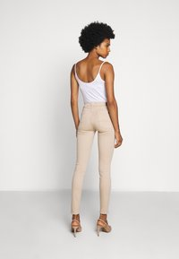 7 for all mankind - COLSLIILL - Trousers - beige - 2