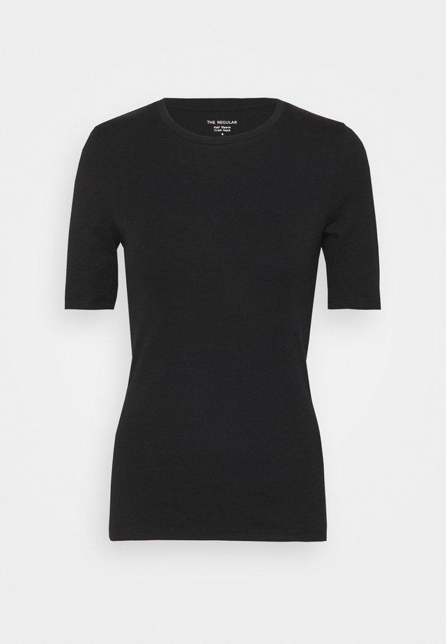 CREW TEE - Jednoduché triko - black