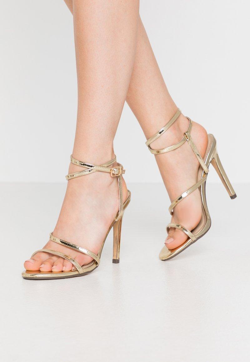 4th & Reckless - AIMEE - Sandály na vysokém podpatku - gold