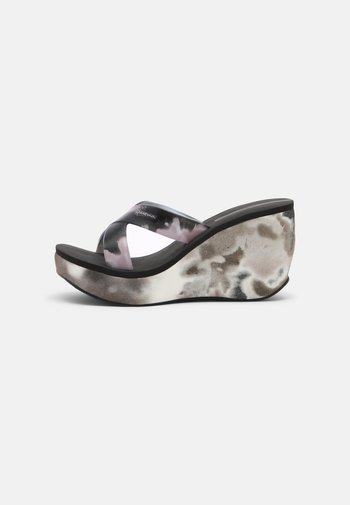 LIPSTICK STRAPS - Wedge sandals - black