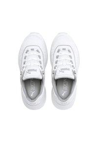 Puma - Trainers - off-white - 1