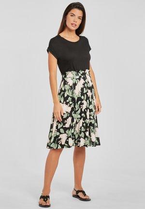Jersey dress - schwarz rosa bedruckt