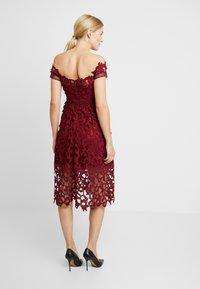 Chi Chi London Maternity - LIZANA DRESS - Robe d'été - burgundy - 2