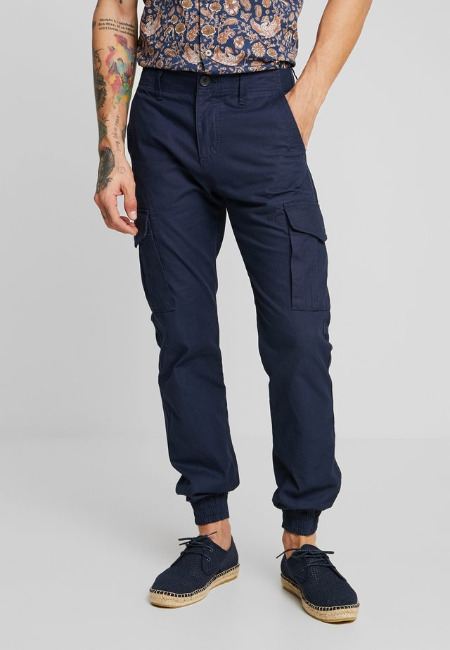 PKTAKM WASHED CUFF  - Cargo trousers - navy blazer
