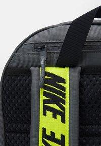 Nike Sportswear - ESSENTIALS UNISEX - Rucksack - iron grey/cyber/black - 3