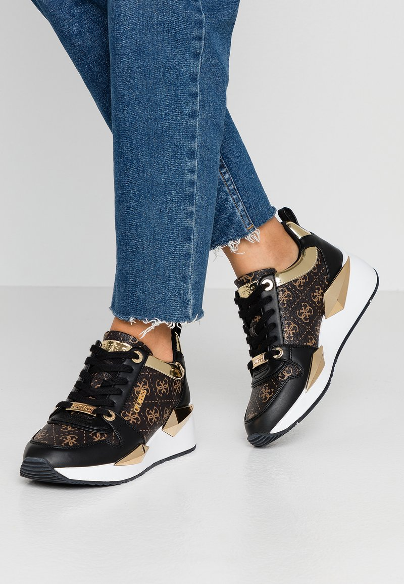 Guess - TALLYN - Sneakers laag - brown/black