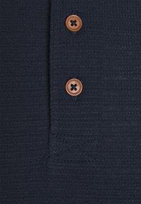 TOM TAILOR DENIM - HENLEY - Jednoduché triko - sky captain blue - 2