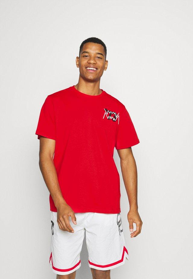 PARQUET STREET GRAPHIC TEE - Print T-shirt - high risk red