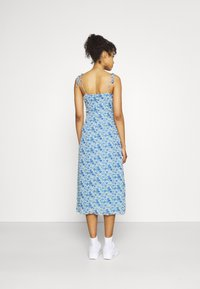 Missguided - TIE STRAP RUCHED BUST MIDAXI FLORAL - Day dress - blue - 2