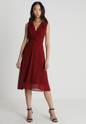 WINONA DRESS - Juhlamekko - burgundy