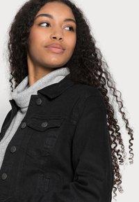 Vero Moda Petite - VMHOT SOYA JACKET - Denim jacket - black - 3